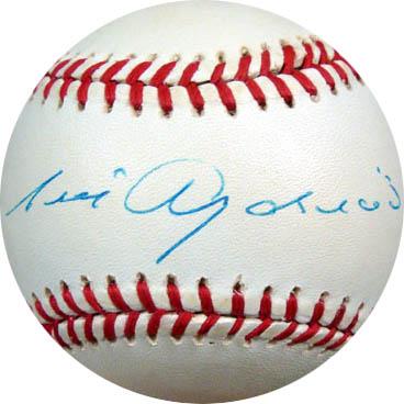 LuisAparicio Autograph Sports Memorabilia from Sports Memorabilia On Main Street, sportsonmainstreet.com